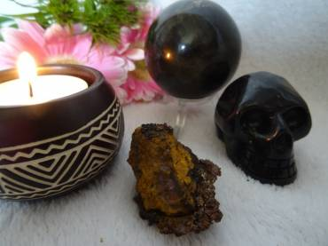Meditations With Crystals – Mystery, Creativity And Magic