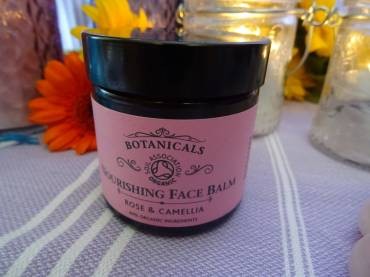Nourishing Face Balm Rose And Camellia Review