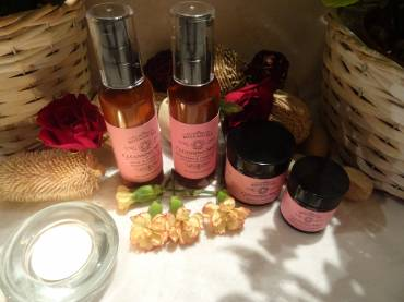Beauty Facial Massage Superficial and Deep Cleansing