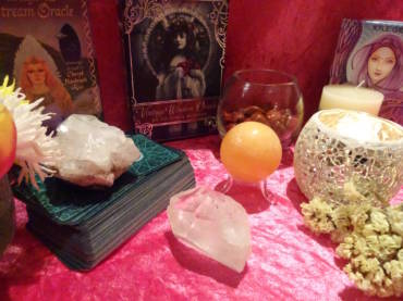 Tarot and Oracle Cards Intuitive Readings