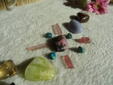 Crystal Healing Therapy Benefits